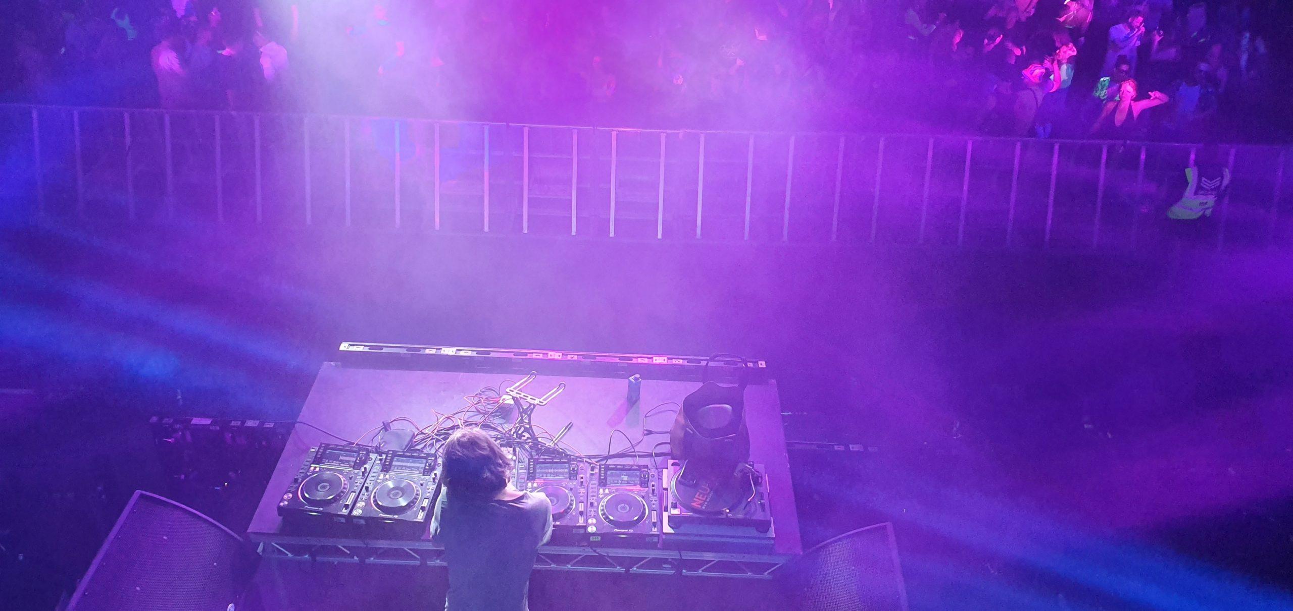DJPackage4-min